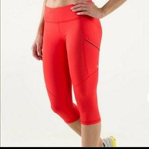 Lululemon Run Mod Moves crop leggings red silver